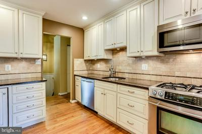 9281 SOARING HILL RD, COLUMBIA, MD 21045 - Photo 2
