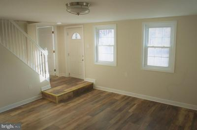 133 MONMOUTH ST, HIGHTSTOWN, NJ 08520 - Photo 2