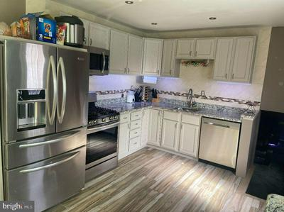 206 UNIVERSITY AVE, PEMBERTON, NJ 08068 - Photo 1