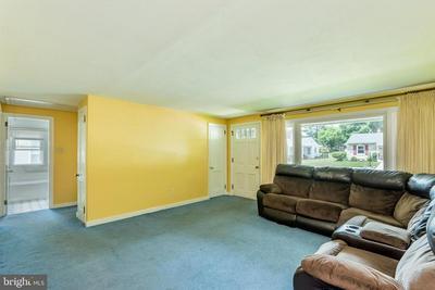 450 D ST, Carlisle, PA 17013 - Photo 2