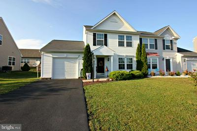 3753 ROLLING HILLS DR, GREENCASTLE, PA 17225 - Photo 1