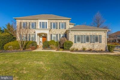 22995 FALCON RIDGE CT, ASHBURN, VA 20148 - Photo 2