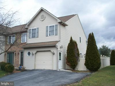 1017 PARKWAY DR, READING, PA 19605 - Photo 2