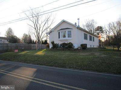 320 TOLLGATE RD, LANGHORNE, PA 19047 - Photo 2