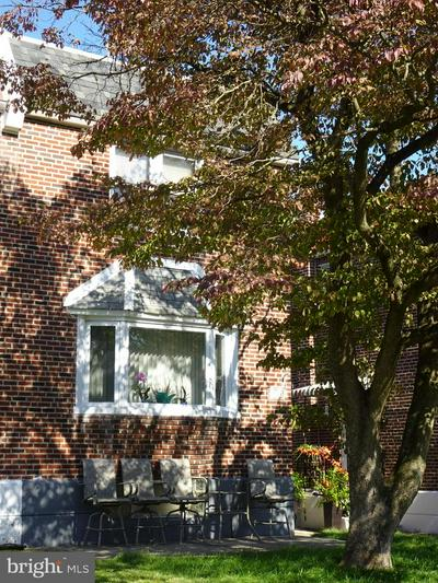 2123 LONEY ST, PHILADELPHIA, PA 19152 - Photo 1