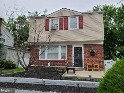 7249 GITHENS AVE, PENNSAUKEN, NJ 08109 - Photo 1