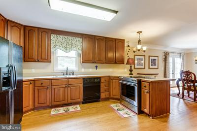 1466 ASHLEY CT, AMISSVILLE, VA 20106 - Photo 2