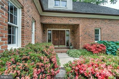 380 S RIVER LANDING RD, Edgewater, MD 21037 - Photo 2
