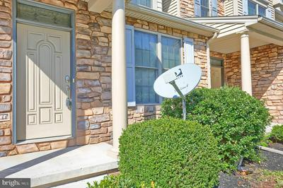 16 KINGSWOOD DR, LEWISBERRY, PA 17339 - Photo 2