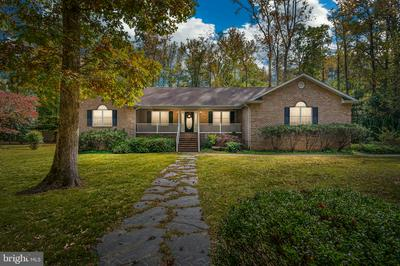 395 HOLLY HAVEN RD, WEEMS, VA 22576 - Photo 2