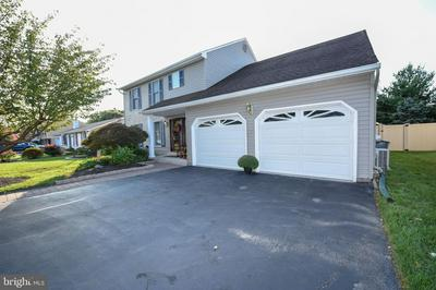 160 APPLE VALLEY DR, LANGHORNE, PA 19047 - Photo 1