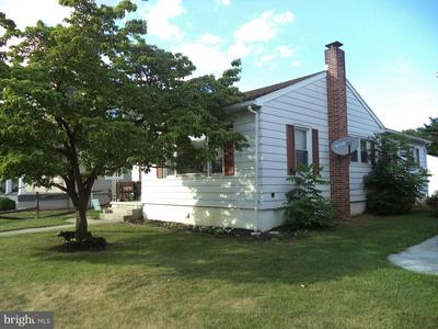 206 WESTMINSTER AVE, HANOVER, PA 17331 - Photo 2