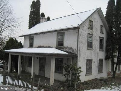 1415 KUMRY RD, PENNSBURG, PA 18073 - Photo 2