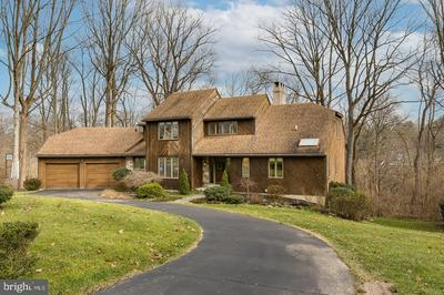 913 GENERAL WAYNE DR, WEST CHESTER, PA 19382 - Photo 2