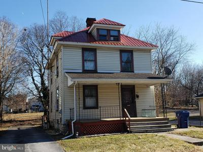 118 S JEFFERSON ST, GREENCASTLE, PA 17225 - Photo 1