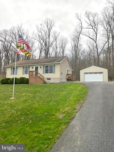 7821 EMERSON BURRIER RD, MOUNT AIRY, MD 21771 - Photo 1