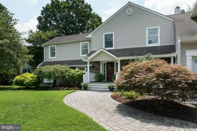 513 VILLAGE RD W, PRINCETON JUNCTION, NJ 08550 - Photo 2