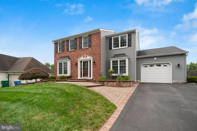 25 HEDGEROW DR, FAIRLESS HILLS, PA 19030 - Photo 2