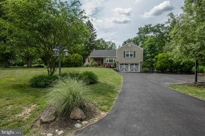 923 SUNSET DR, BLUE BELL, PA 19422 - Photo 2