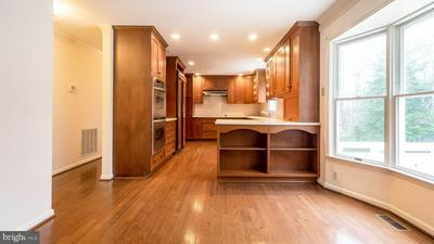 425 FOX HOLLOW LN, ANNAPOLIS, MD 21403 - Photo 2