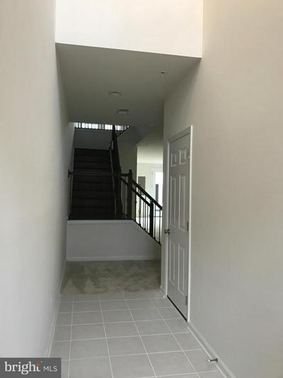 23390 EPPERSON SQ, BRAMBLETON, VA 20148 - Photo 2