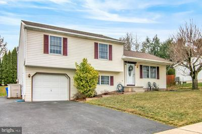 8681 PRESIDENTS DR, HUMMELSTOWN, PA 17036 - Photo 2