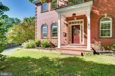 13 TOLLGATE RD, OWINGS MILLS, MD 21117 - Photo 2