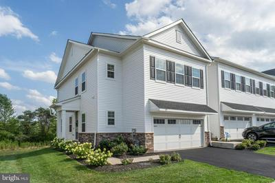149 KNOCK HILL DR, ROYERSFORD, PA 19468 - Photo 2