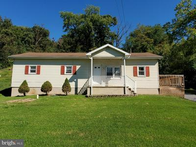 1905 OLD STATE RD, DAUPHIN, PA 17018 - Photo 1