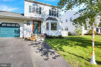 115 MERION DR, ROYERSFORD, PA 19468 - Photo 1