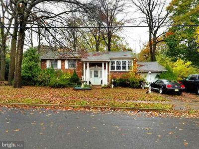 1100 S BROWNING AVE, SOMERDALE, NJ 08083 - Photo 1