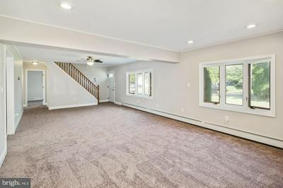 63 VICAR LN, LEVITTOWN, PA 19054 - Photo 2