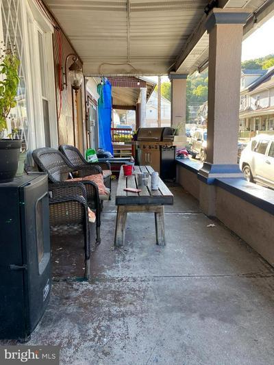 133 JAMESTOWN ST, LEHIGHTON, PA 18235 - Photo 2