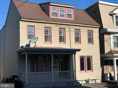 1612 W MARKET ST, POTTSVILLE, PA 17901 - Photo 1