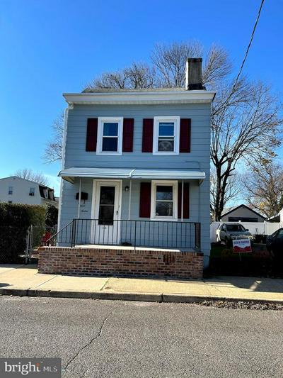 316 BORDEN ST, BORDENTOWN, NJ 08505 - Photo 1