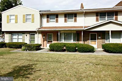 419 W BALTIMORE ST, GREENCASTLE, PA 17225 - Photo 1