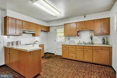 6441 JONESTOWN RD, HARRISBURG, PA 17112 - Photo 2
