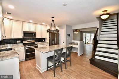 8894 STABLE FOREST PL, BRISTOW, VA 20136 - Photo 1