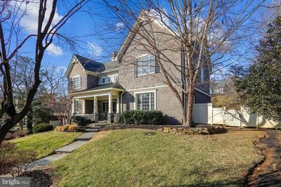 7102 POMANDER LN, CHEVY CHASE, MD 20815 - Photo 2