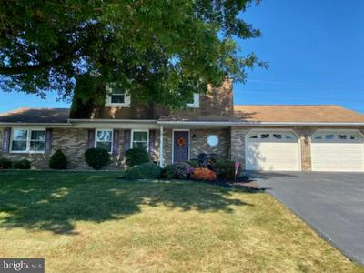 19 N SEASONS DR, DILLSBURG, PA 17019 - Photo 1