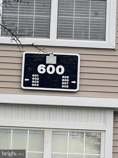 608 SAXONY DR, MOUNT LAUREL, NJ 08054 - Photo 1