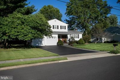 10 TERRAPIN LN, HAMILTON, NJ 08619 - Photo 2