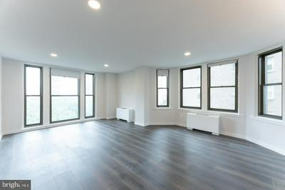 135 S 19TH ST APT 810, PHILADELPHIA, PA 19103 - Photo 1
