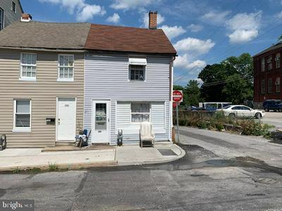 129 N PINE ST, York, PA 17403 - Photo 1