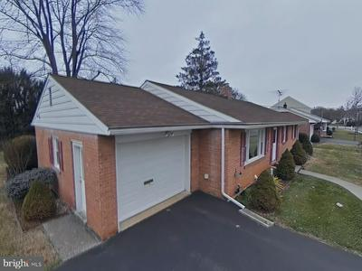 643 HAMPDEN RD, ELIZABETHTOWN, PA 17022 - Photo 2