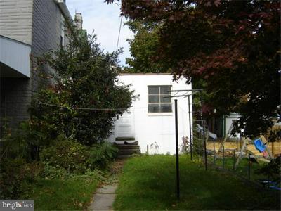 2405 CUMBERLAND AVE, READING, PA 19606 - Photo 2