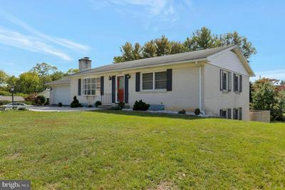 13422 WINDSOR DR, HAGERSTOWN, MD 21742 - Photo 2