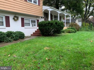 9 CRESTHILL RD, LAWRENCE TOWNSHIP, NJ 08648 - Photo 2
