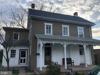 711 VINE ST, PERKASIE, PA 18944 - Photo 1