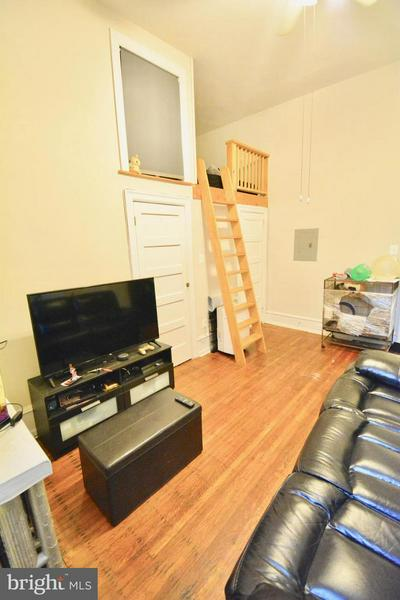 122 W MANHEIM ST APT 4, PHILADELPHIA, PA 19144 - Photo 2